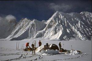 Karakoram. Camp sur le Snow Lake. Avril 1990.