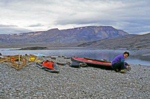 Préparatifs tranquilles à Arctic Bay.