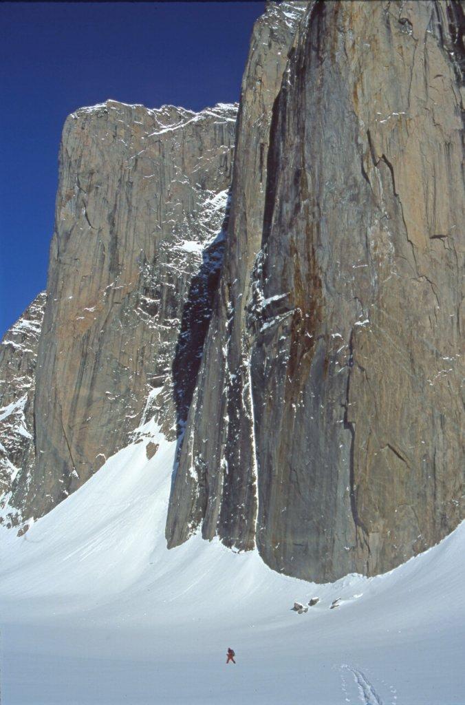 Le tour du Mont Asgard. 30 avril 2002.