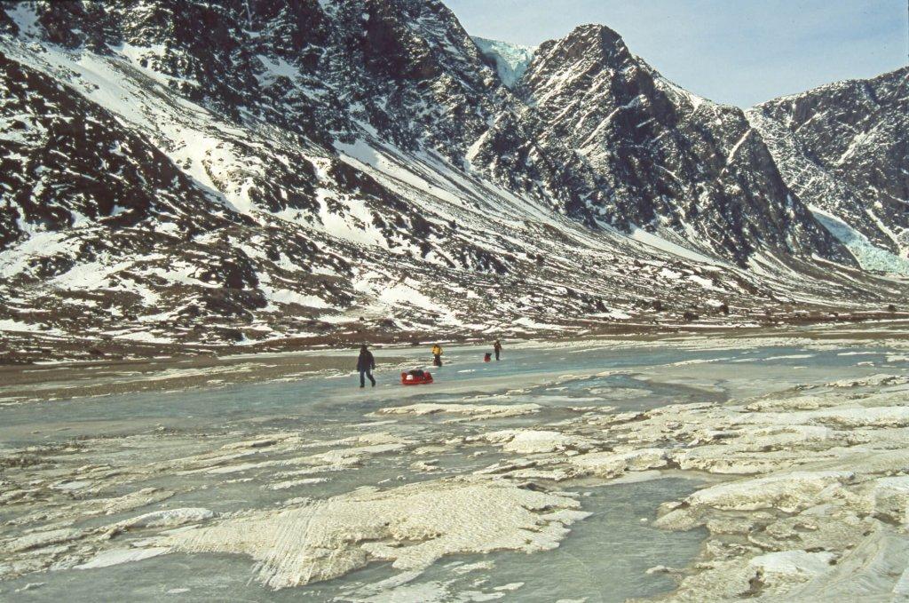 Ski-kayak dans Weasel Valley. 17 mai 2002.