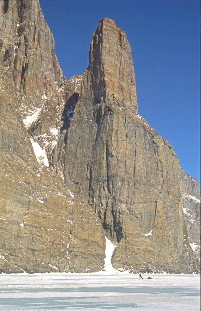 En remontant Gibbs Fjord à la base de la rive nord. 23 avril 2005.
