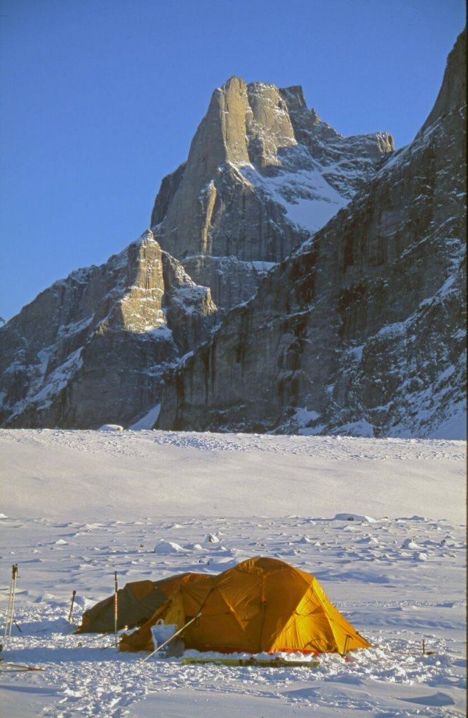 Une autre vue du camp 2 à Revoir Pass. 18 avril 2006.