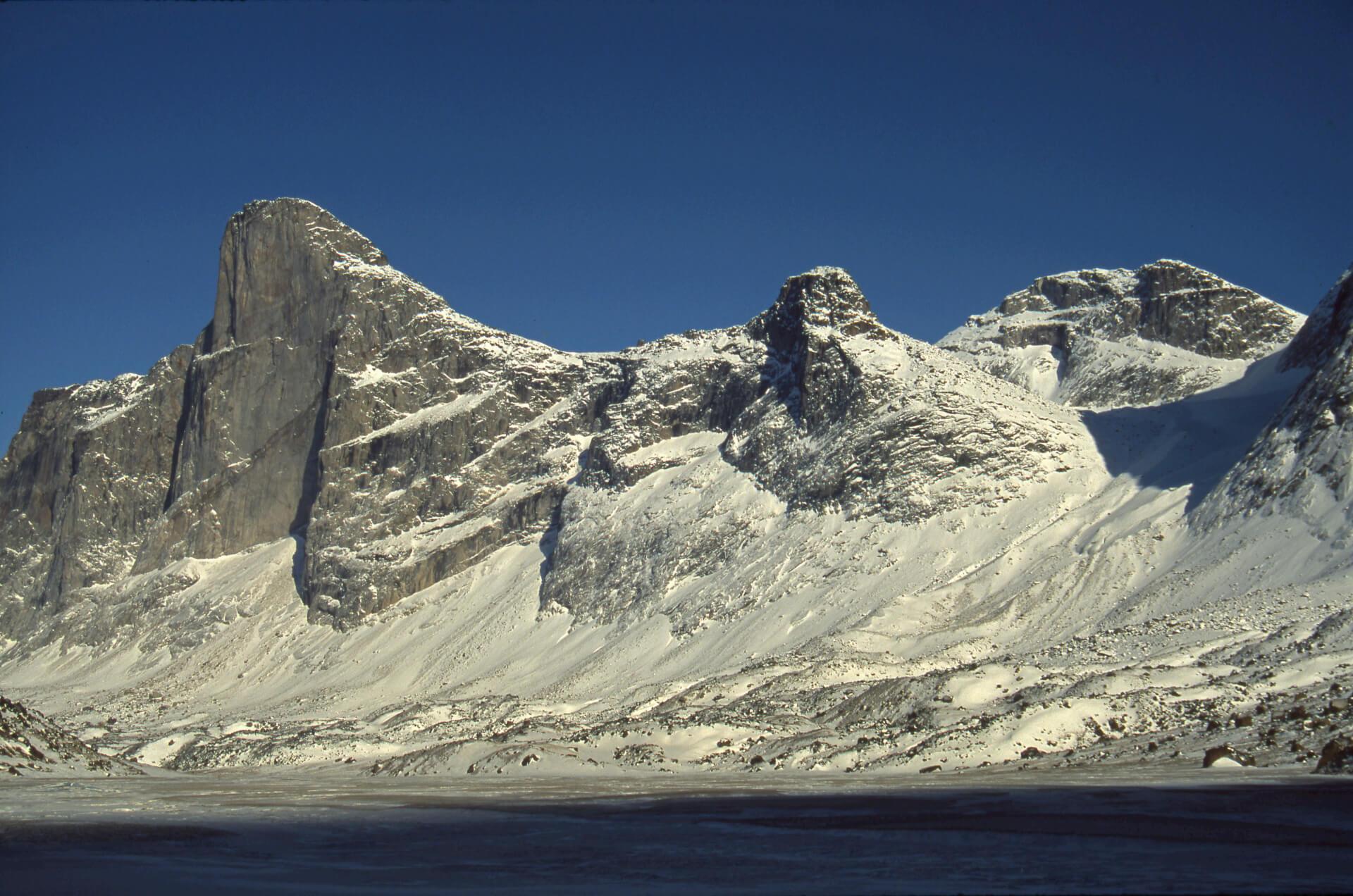 Thor Peak et la vallée de la Weasel