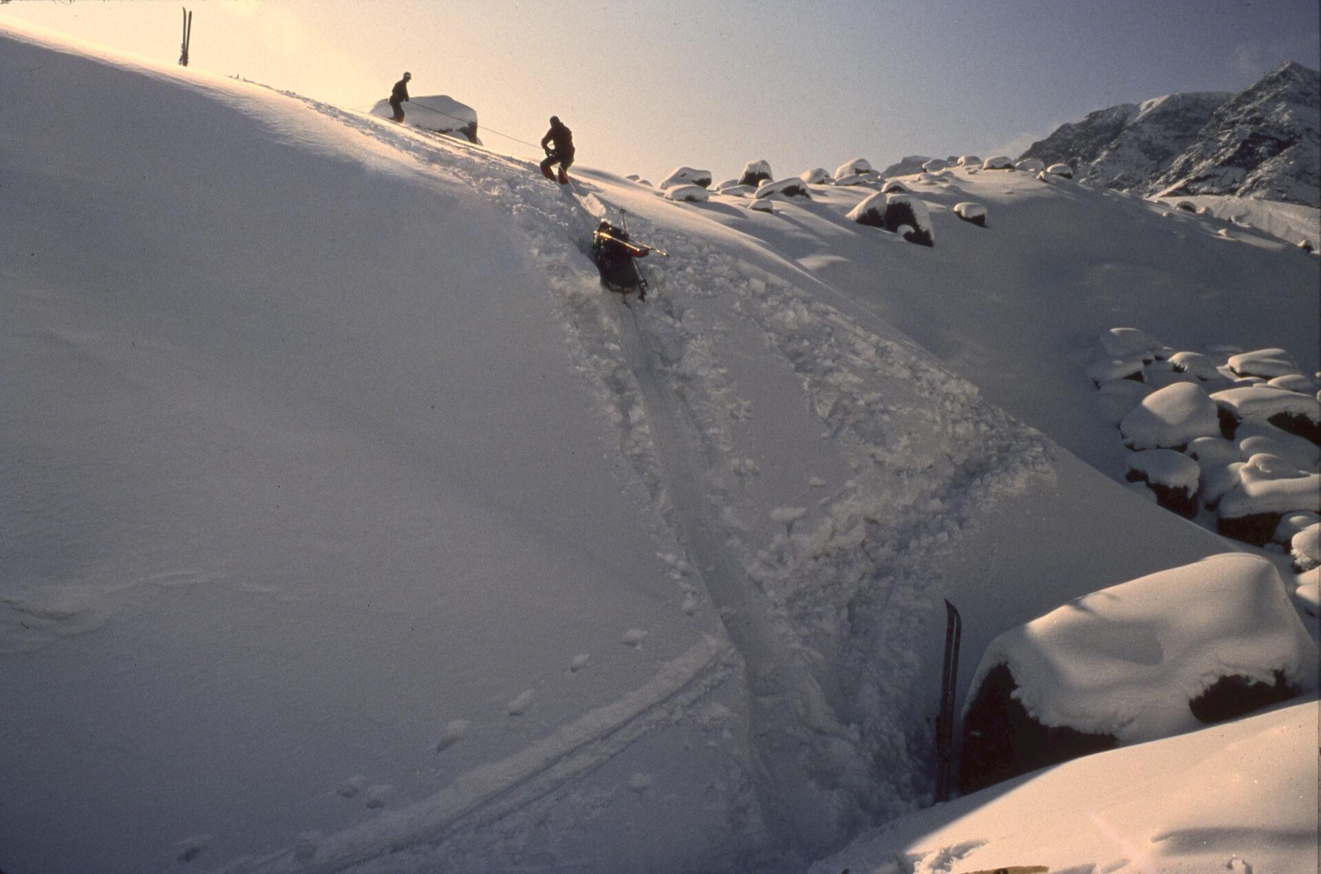 Franchissement du front du glacier du Couronnement avec les pulkas