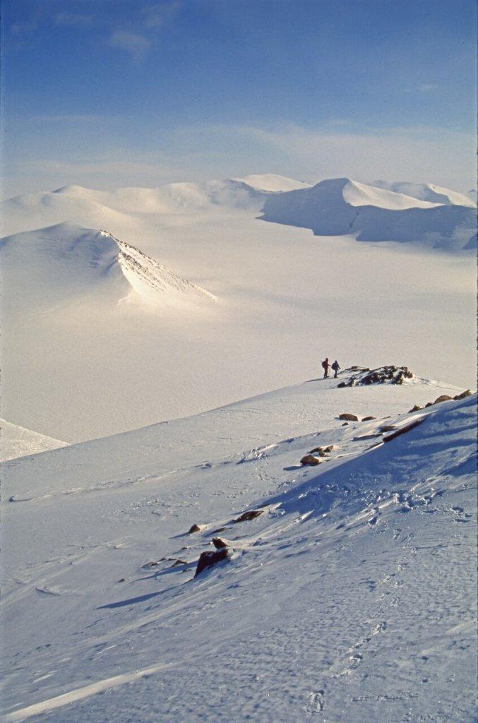 Descente du sommet 2040m vers le camp 11. 2 mai 1999.