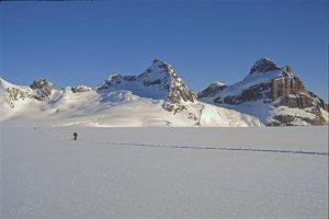 Sur le glacier Habets, vers le col du Mystère. 2 mai 1997.