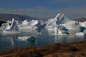 Icebergs dans le détroit de l'île Rouge - 11 août 2010.