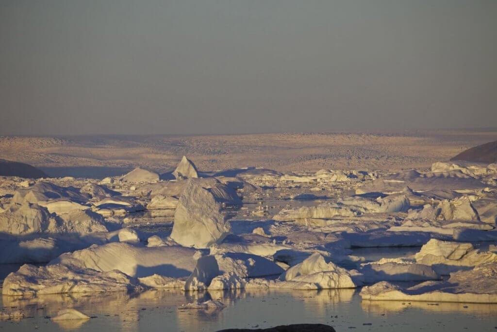 Traversée Upernavik-Kullorsuaq - Coucher de soleil à l'île Björling le 25 août 2012.