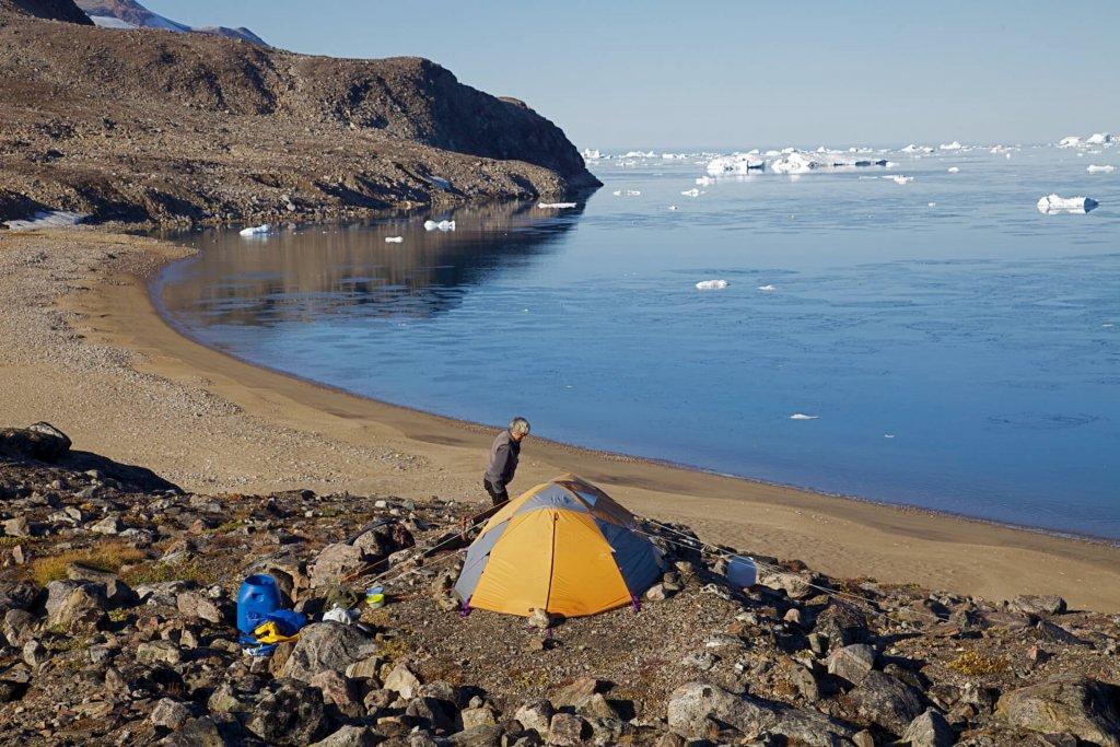 """Le camp 24, dit """" Camp de la plage """" sur l'île Holmø le 30 août 2012."""