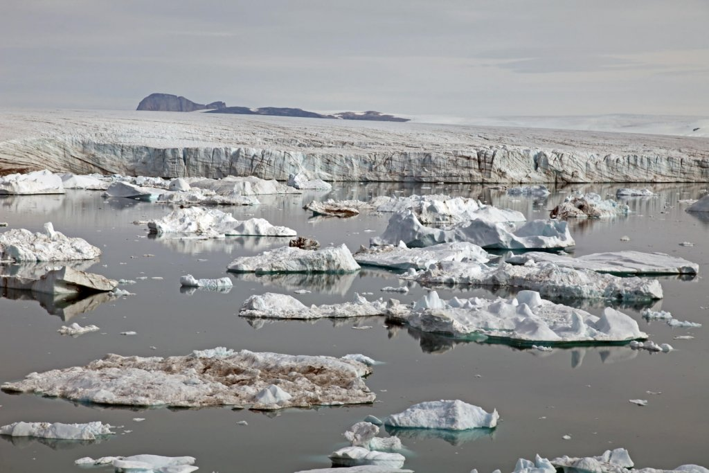 Glacier fossile devant l'île de Red Head. 30 juillet 2014.