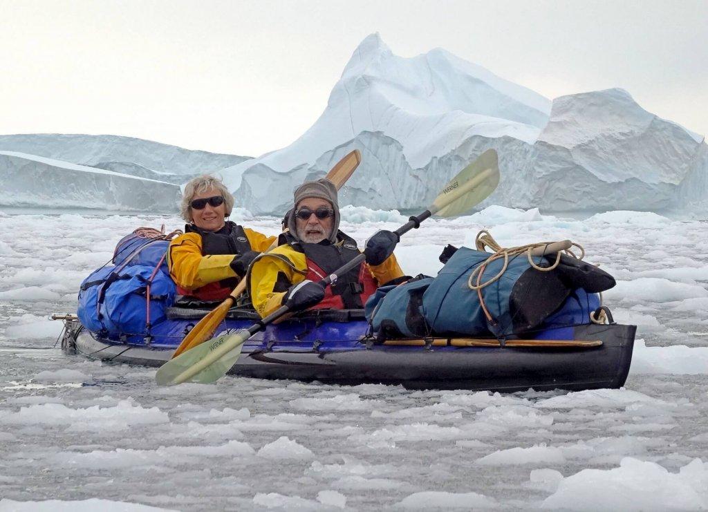 Marc et Béatrice naviguent dans le brash-ice entre les camps 11 et 12. 12 août 2014.