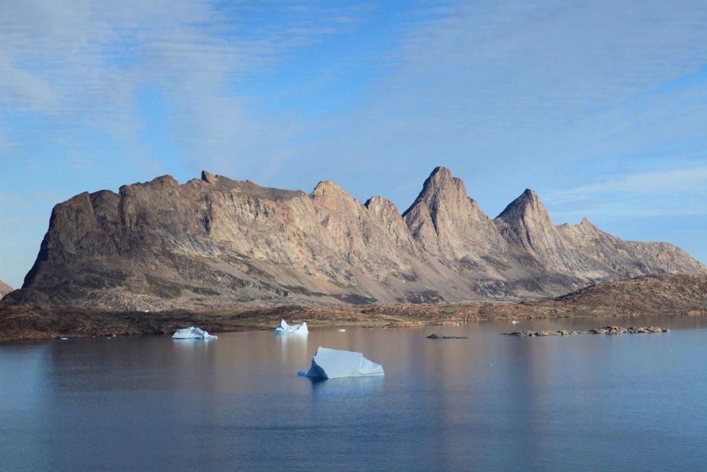 Les îles Bjorneoer vues depuis le camp 19 le 29 août 2010.