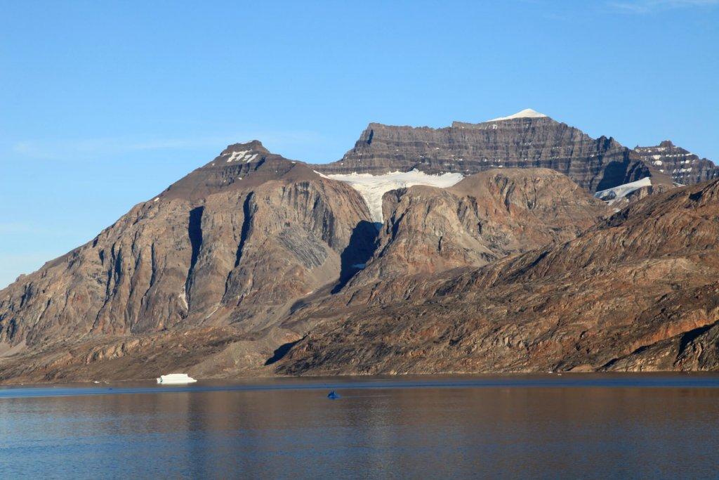 Le Fonfjord et la côte nord de Gaseland vus du camp 4 le 7 août 2010.