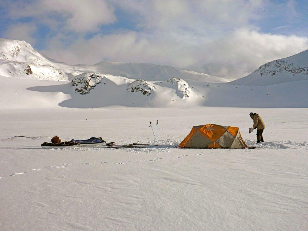 Camp dans le massif du Kebnekaise. 20 avril 2011.