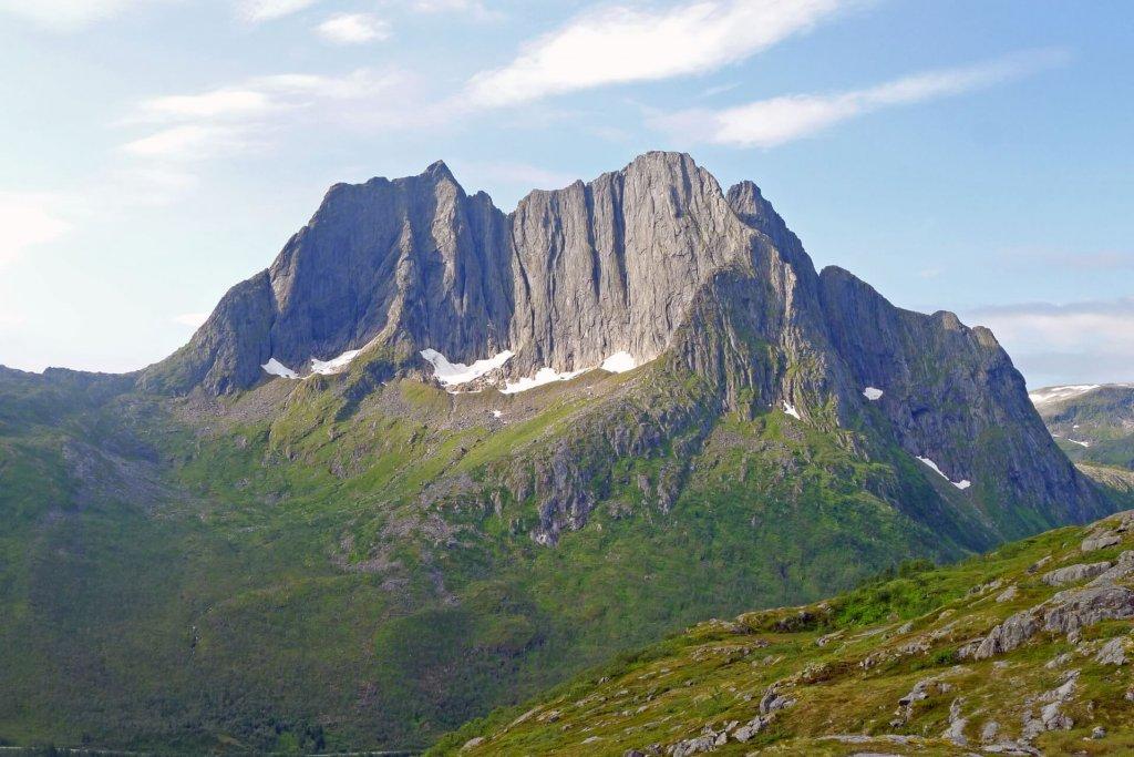 Le Grytetippen (885m) vu du camp 3. 23 juillet 2013.