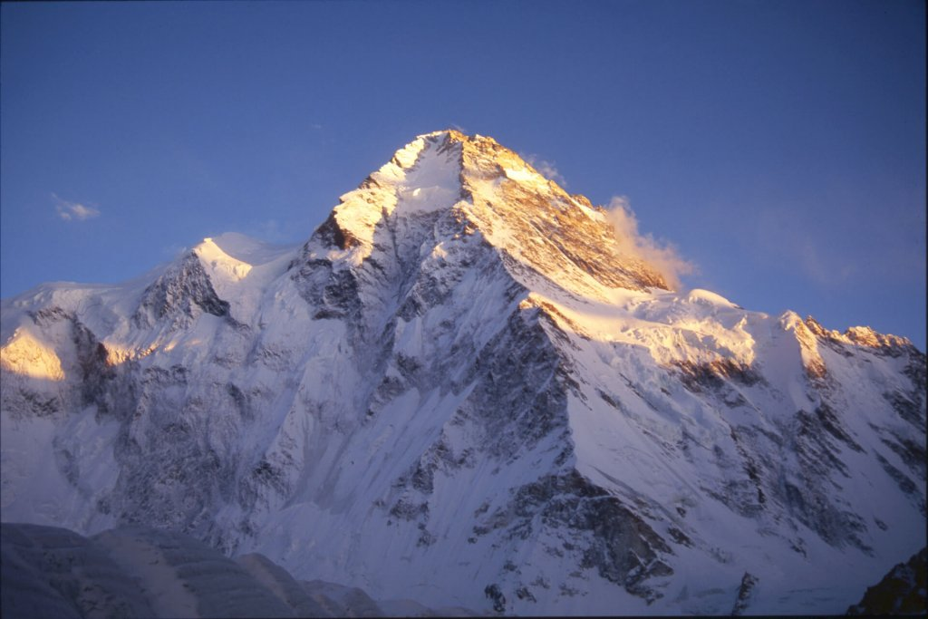 Lumières sur le versant Nord du K2. 23 septembre 1993.