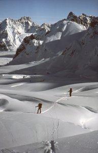 Sur le haut glacier de Canta - 21 Avril 1984.