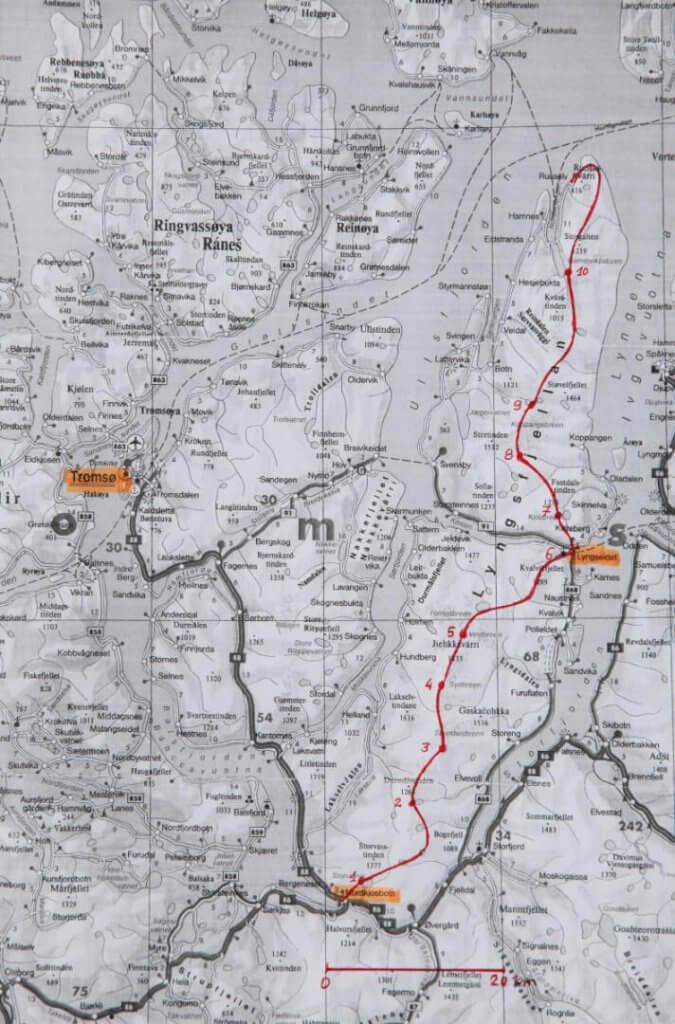 Carte de la traversée des Alpes de Lyngen.