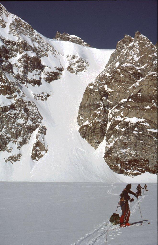 Le col Major, versant Est descenu avec les pulkas - 1ér Mai 1984.