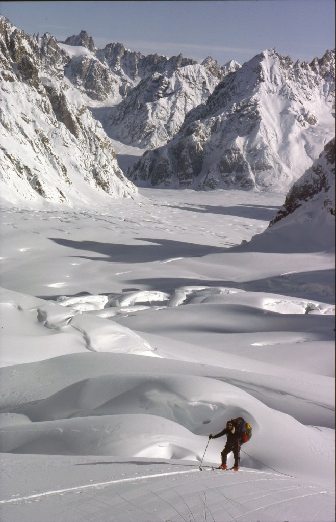 La partie supérieure du glacier de Canta. Au fond, le glacier de Sefströms - 21 Avril 1984.