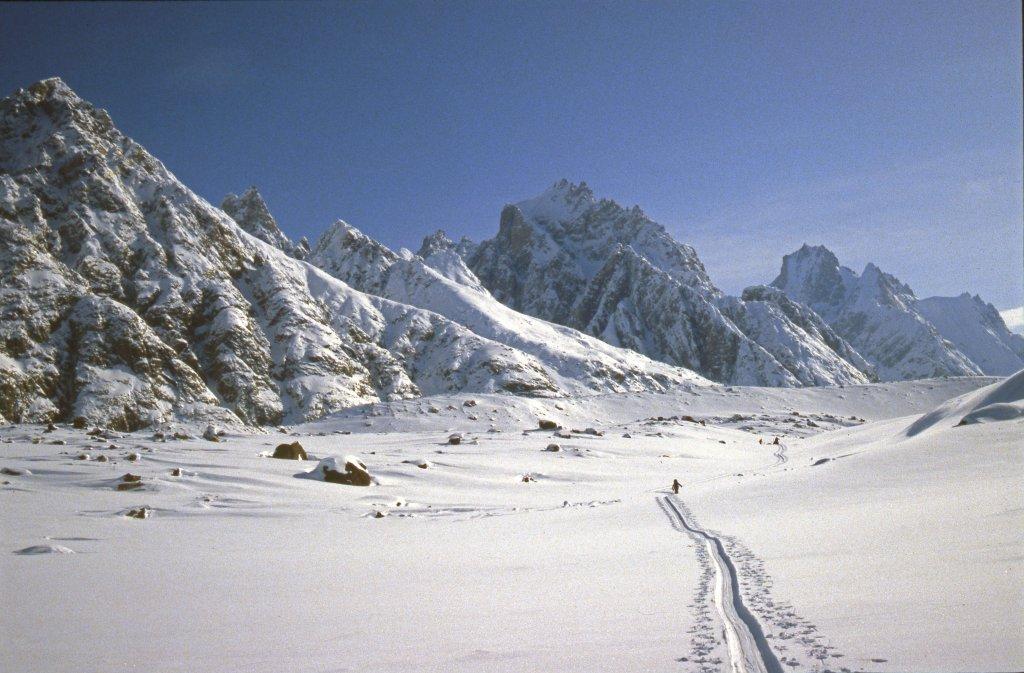 En remontant le glacier de Sefströms - 18 Avril 1984.