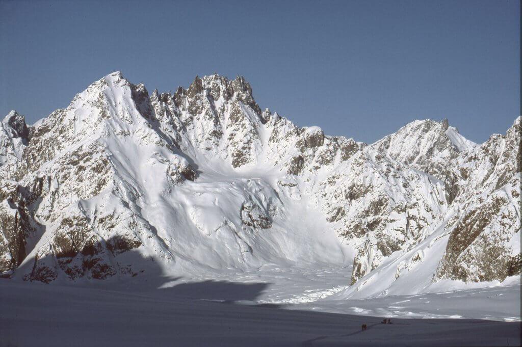 Descente du glacier de Canta dans la soirée du 22 avril 1984.