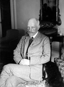 Nansen en 1922 âgé de 61 ans alors qu'il représente la Norvège à la SDN.