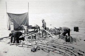 L'atelier de construction des traîneaux sur la banquise.