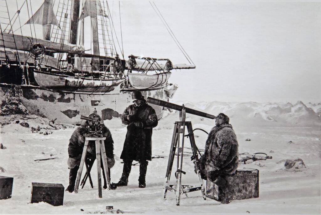 6 avril 1894. Hansen observe l'éclipse de soleil dont il a calculé l'heure exacte à 7 secondes près !