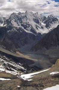 Vue depuis le sommet du Boesam Pir Pass (5080m). 29 Juillet 1995.