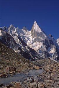 Leila Peak (6069m) et vallée de Gondokhoro vers Kispang. 15 août 1995.
