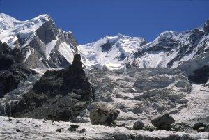 Rive gauche du glacier de Gondokhoro près de Leila Peak