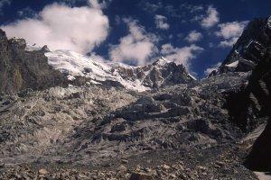 Sur le glacier de Masherbrum . 24 août 1995.