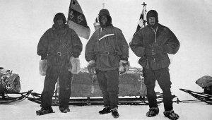 Shackleton, Scott et Wilson au départ du raid vers le sud - 2 novembre 1902.