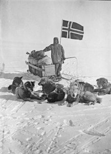 Oscar Wisting arrivant au Pôle Sud